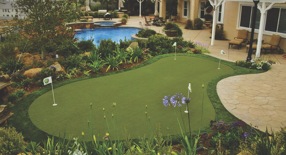 Backyard Synthetic Grass Putting Green